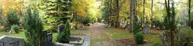 Friedhofsansicht im Herbst