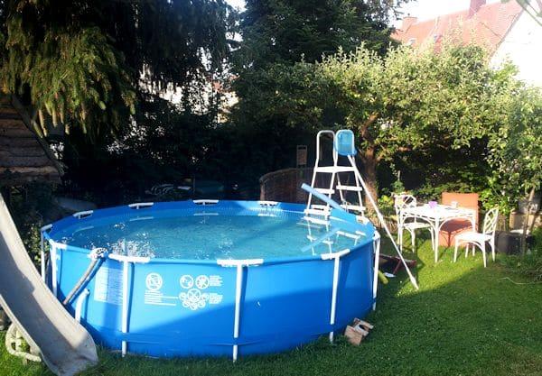 Pool im garten aufstellen untergrund for Obi rundpool
