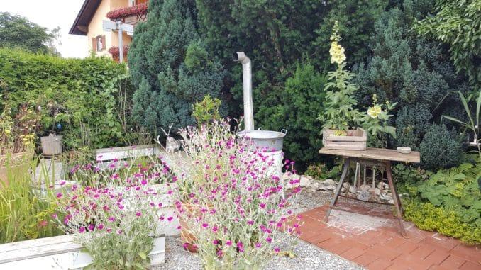 Gartendekoration rustikal