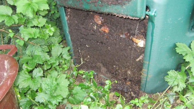 Kompost, Erde