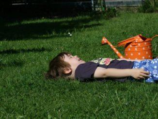 Garten, Kind, giessen, Gießkanne