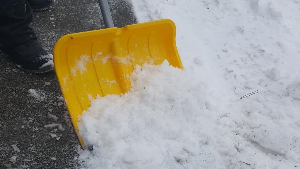 Schnee räumen, Schnee, Winter, Gehweg, Gartenzeitung.com