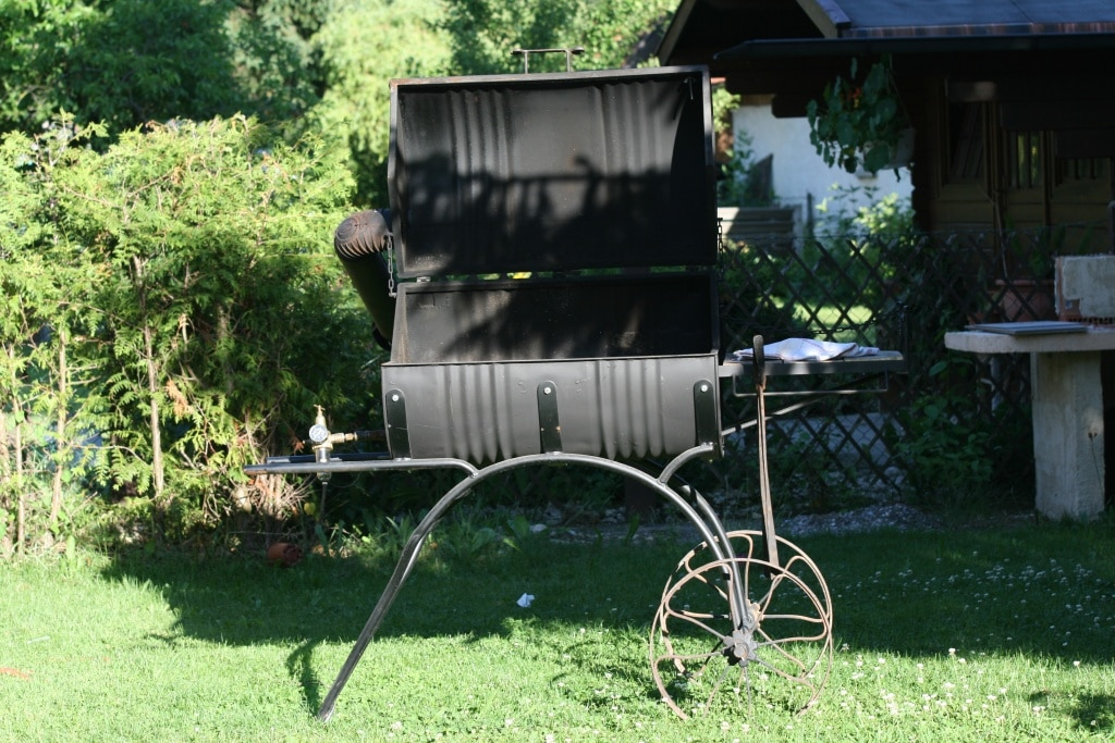 Smoker, Grill, grillen, Barbecue, Party, Gartenzeitung.com