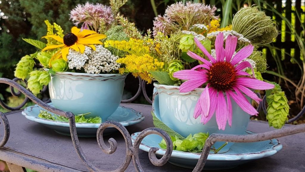 Gesteck, Blumen, Wiesenblumen, Gartenzeitung.com